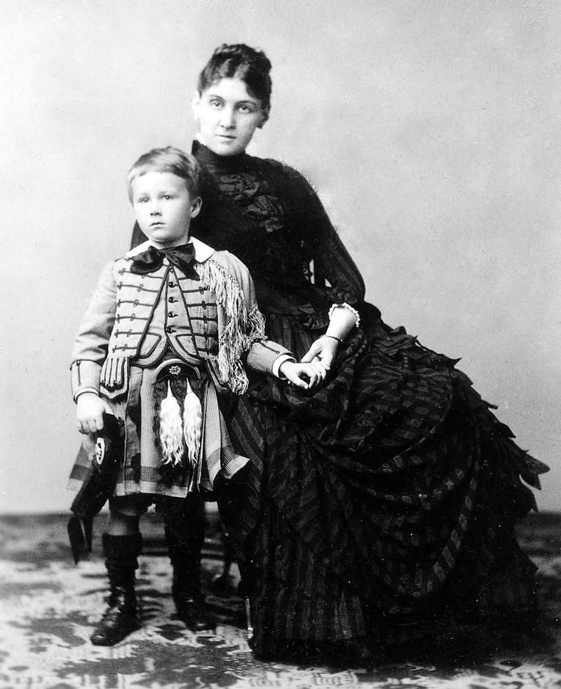 Franklin_Delano_Roosevelt_with_his_mother_Sara,_1887